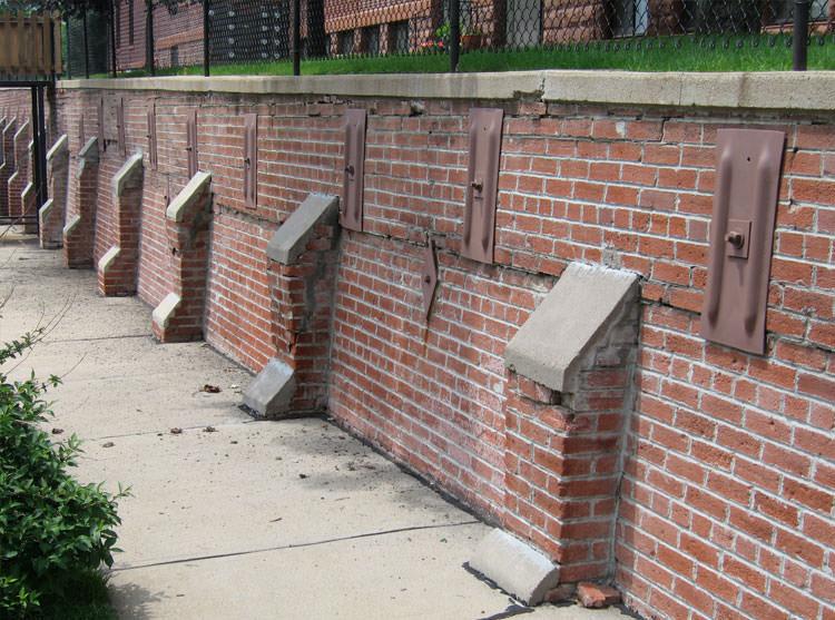 Failing Retaining Wall Repair in Mississauga, Toronto